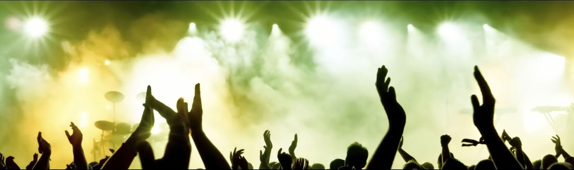koncert,-rece,-tlum-218490